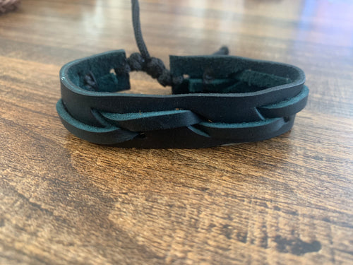 Leather bracelet adjustable - Stitched