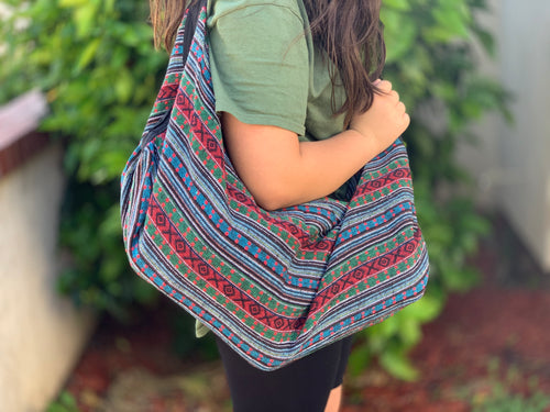 Woven slouch bag