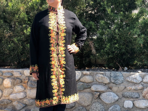 Long Jacket  - Embroidered flower Size XL - 14/16