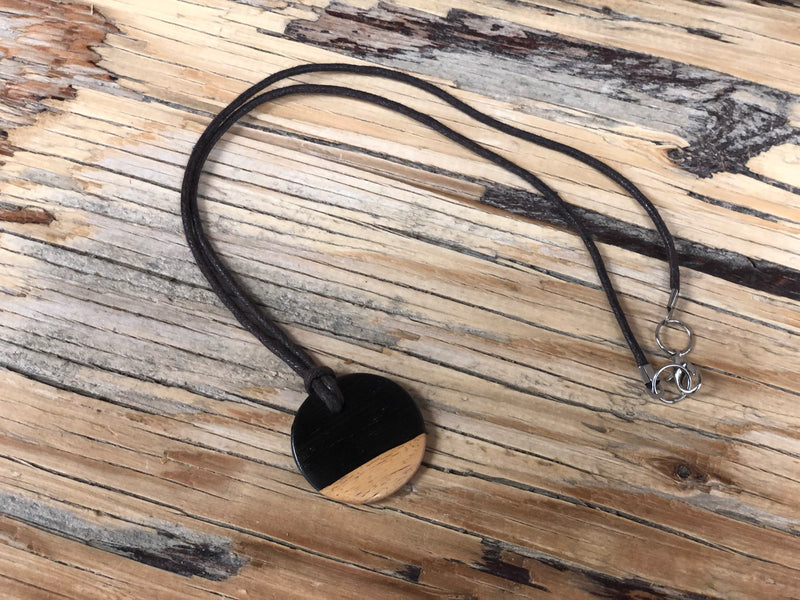 Ebony necklace - circle