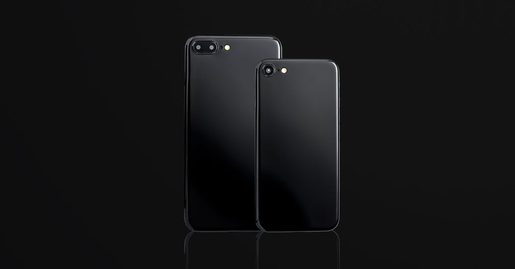 A jet black iPhone case on the iPhone 7 and iPhone 7 Plus