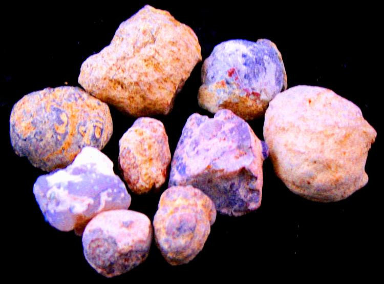 Crack Open Geodes Set of 9 Geology - Off The Wall Toys and Gifts