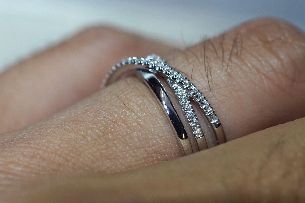 14kt White Gold Diamond Twist Intertwined Love knot X Cross Infinity Band Cross Ring