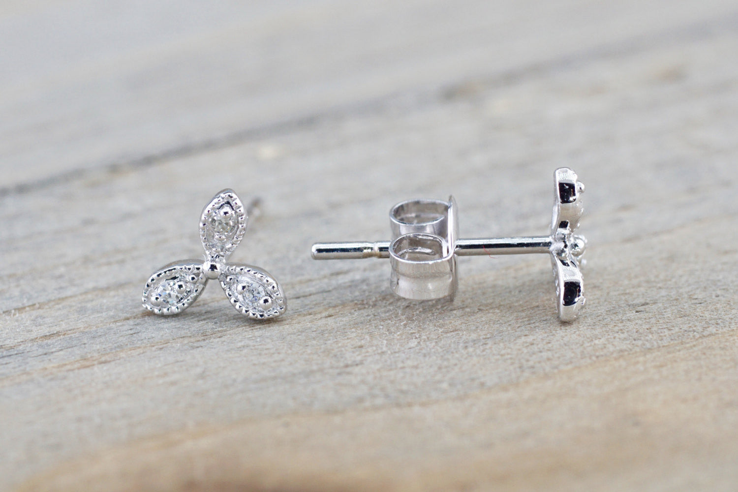 14k White Gold Petal Flower Earring Studs Stud