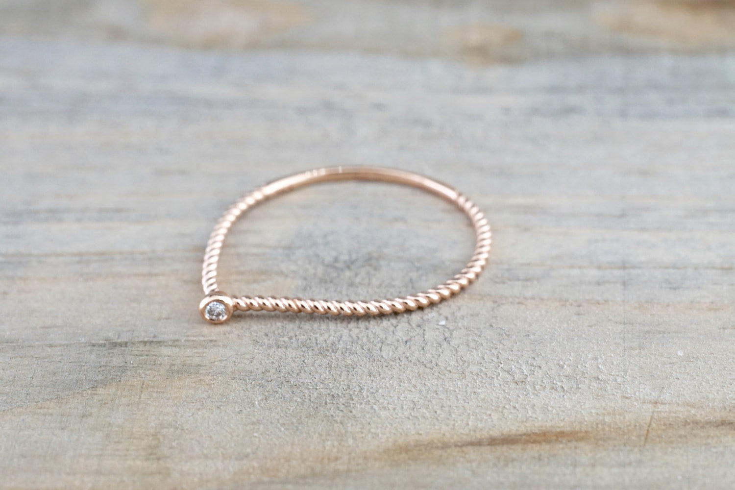 14k Rose Gold Round Cut Diamond Bezel Fashion Ring Rope Design Band - Brilliant Facets