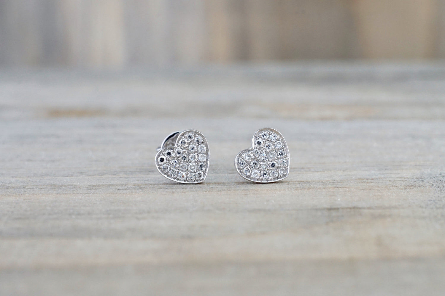 HEART 14k White Gold Micro Pave Stud Earring Studs 3d Point