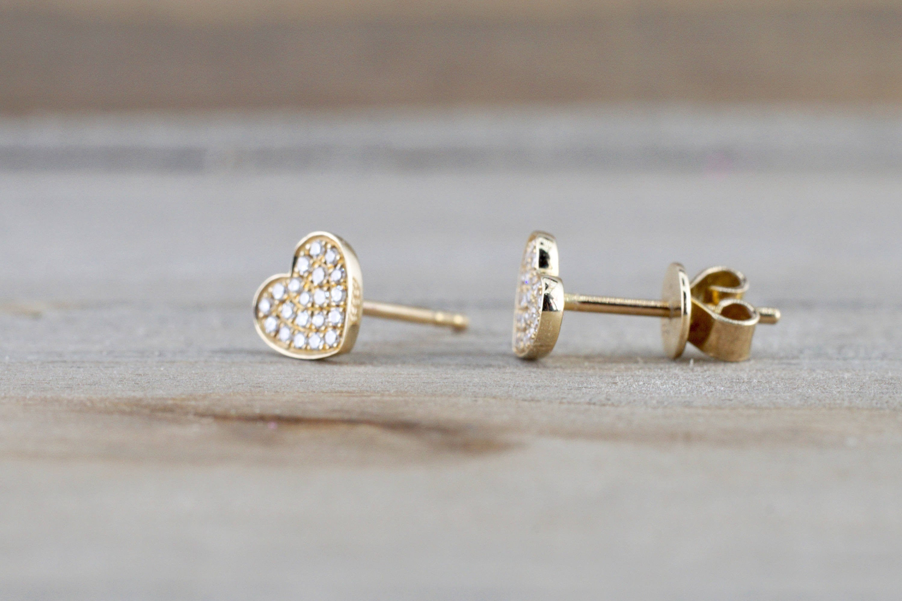 14k Yellow Gold Disk Design Heart Diamond Earrings Stud Post Studs Round Micro Pave Flat