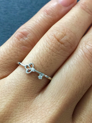 14k White Gold Diamond Key Ring Band Stackable Dainty Thin Fashion Love - Brilliant Facets