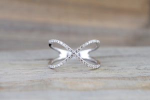 X Cross 14k White Gold Diamond Adjustable Love Promise Ring Band Shaped Large Fashion 0.30 carats