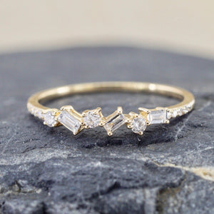 Baguette and Round Diamond Ring RR010016