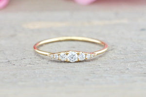 18kt Gold Round Diamond Marquise Shape Ring RR010029
