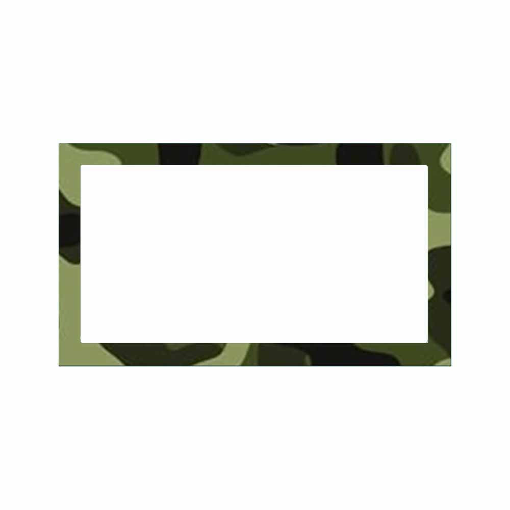 Camouflage place cards.
