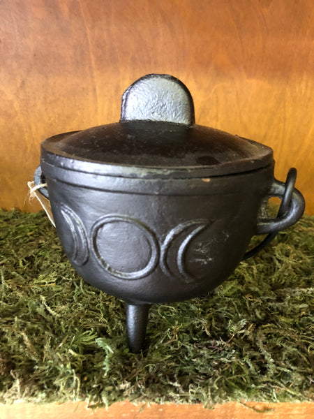 "5"" Cast Iron Cauldron with Lid and Triple Moon"