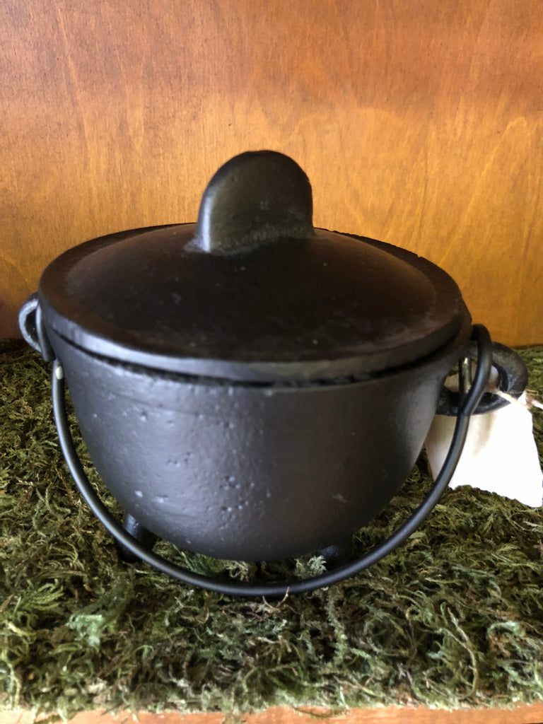 "5"" Cast Iron Cauldron with Lid"