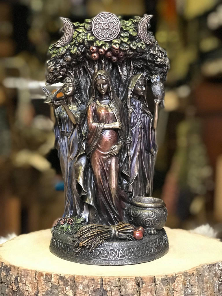Maiden, Mother, Crone Statue