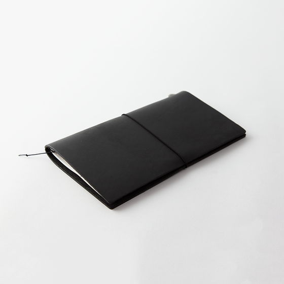 Traveler's Company - Traveler's Notebook - Regular - Black