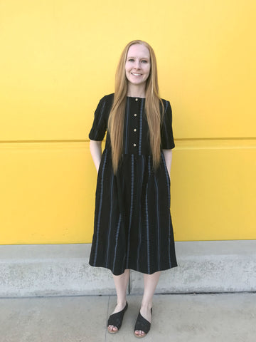 f3b6f9ced666 Another breastfeeding friendly dress! This one has a heavier