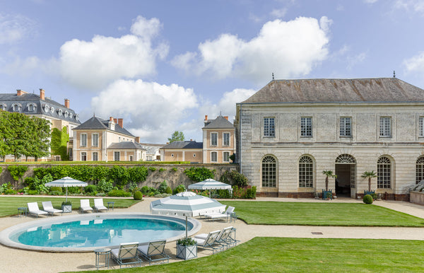 Round swimming pool Hotel Chateau du Grand Luce France