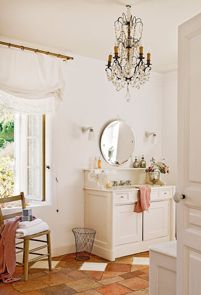 Antique French chandelier lustre French bathroom decorating ideas