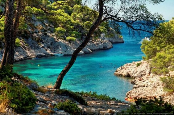 Cassis calanque yacht mediterranean winter in France christmas vacation ideas