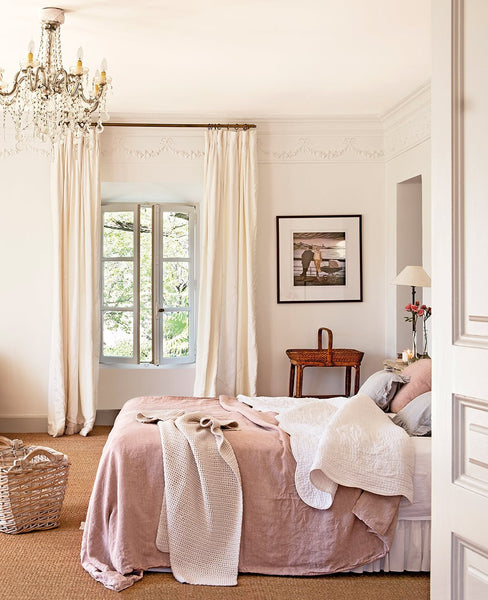 French farmhouse bedroom ideas