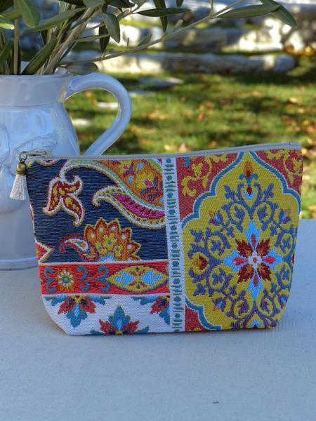 Pattern trend 2017 how to decorate with patterns french washbag pattern with navy blue