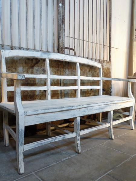 Home decor trends 2017 interior design ideas decorating with white French bench seat white patina