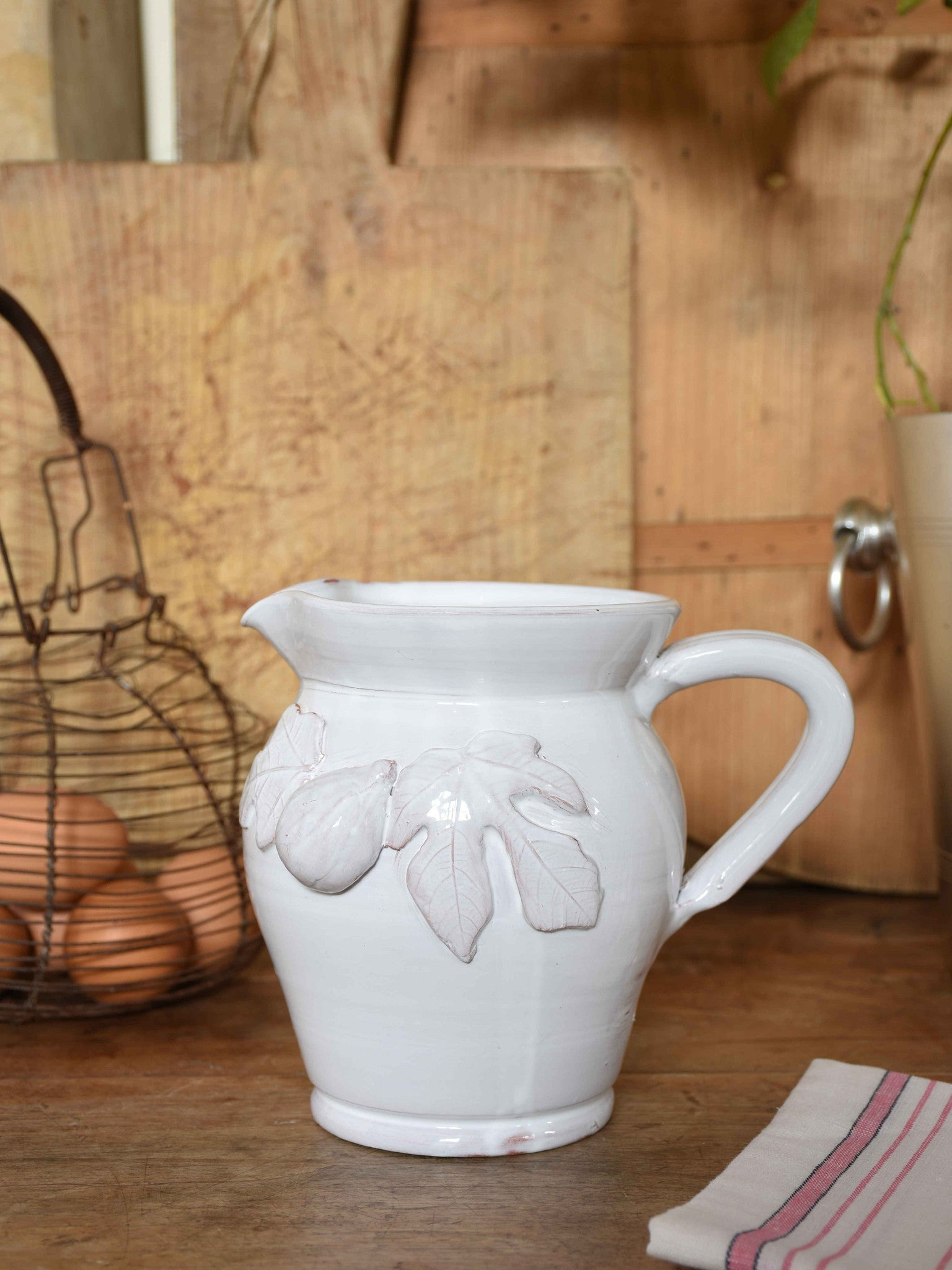 Ceramic jug with figs