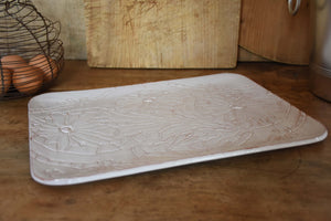 Rectangular platter with flower pattern
