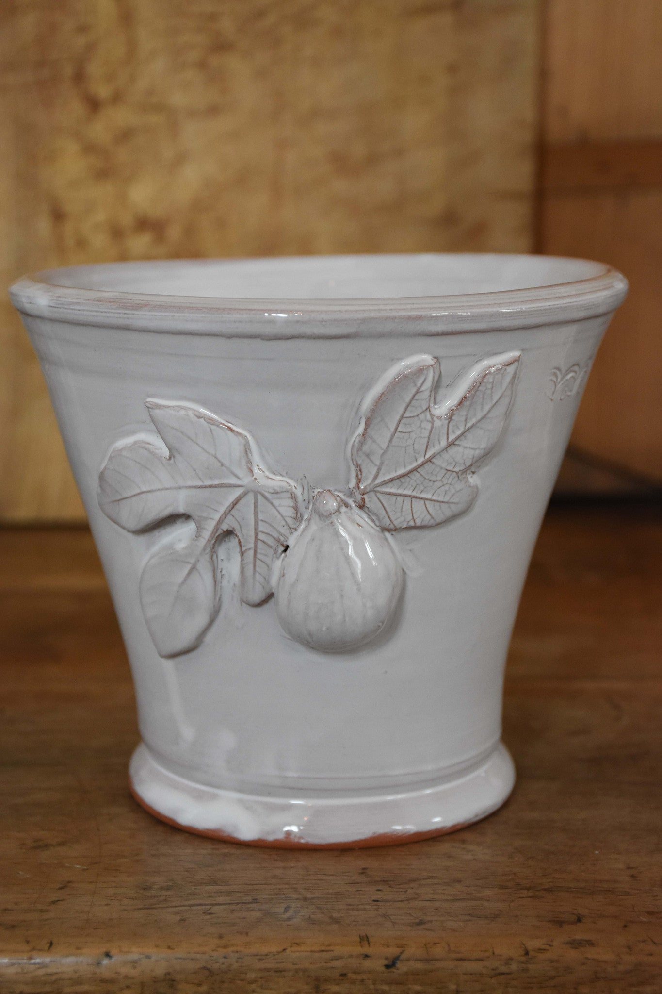 Utensil pot with fig and leaf motif