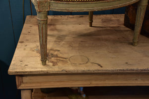 19th century French counter with two shelves
