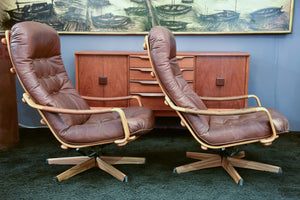 Pair of G mobel armchairs and foot rest
