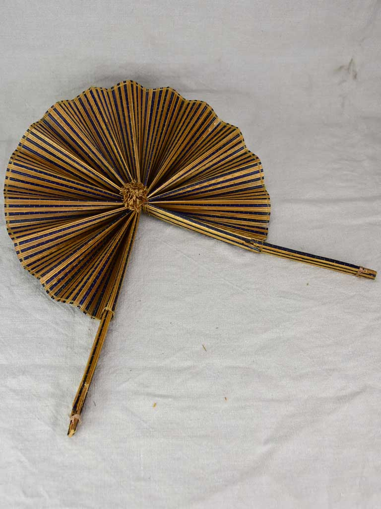 Antique French hand fan - straw