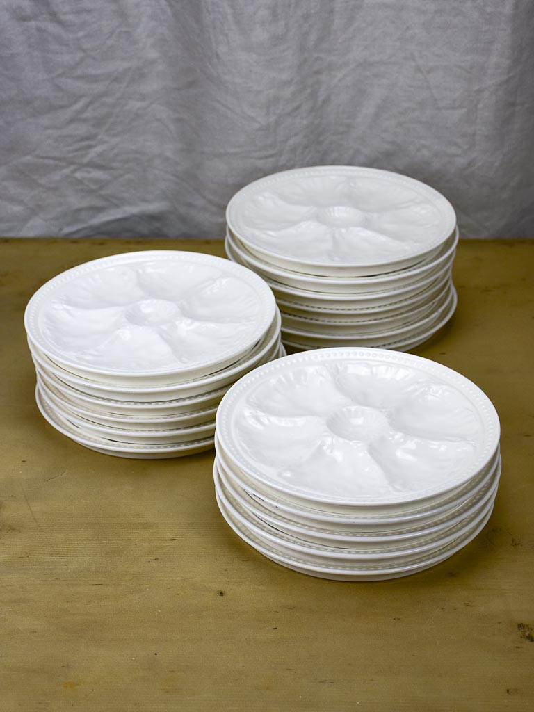 Set of 18 antique white oyster plates - Gien, French