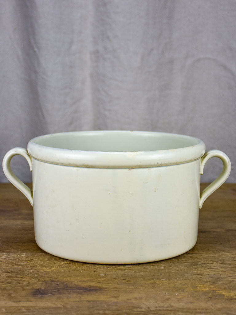Broad French kitchen bowl / pot with handles