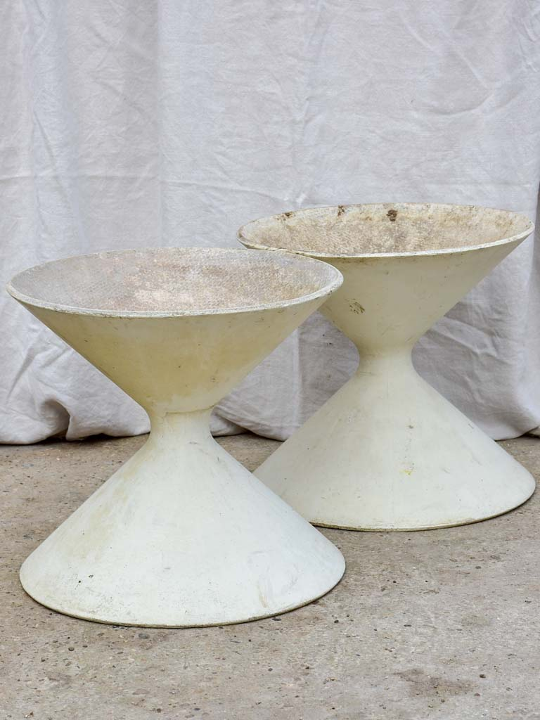 Rare pair of broad white Willy Guhl diabolo planters 18½""