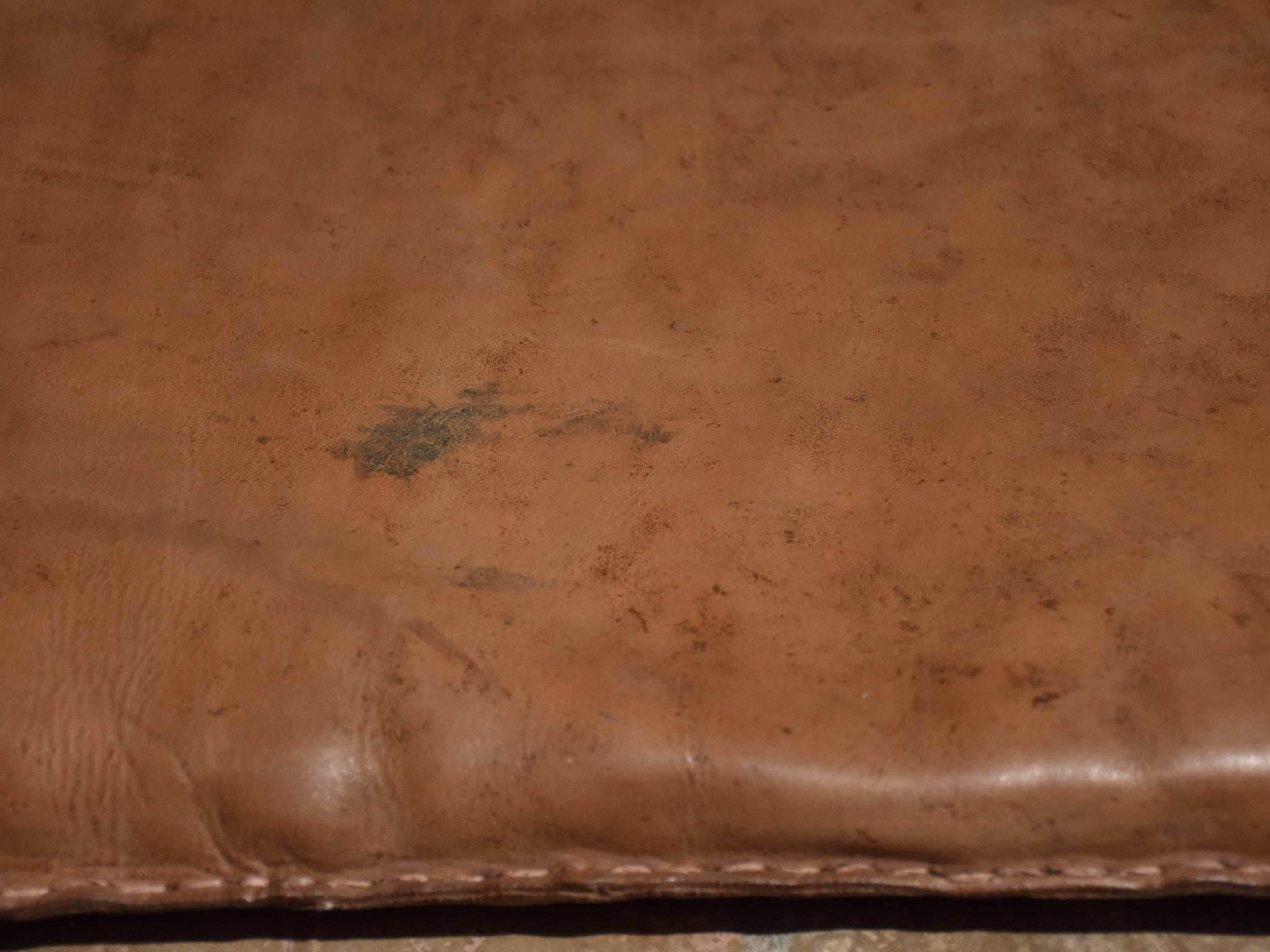 Late 1950's French leather gym mat 2/2