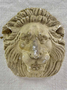 Small salvaged plaster lion 6""