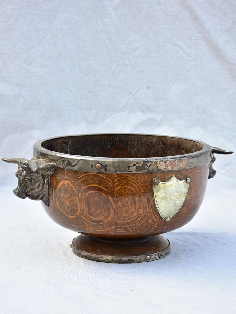 1930's English wooden ice bucket wine cooler with shield and bull's head handles