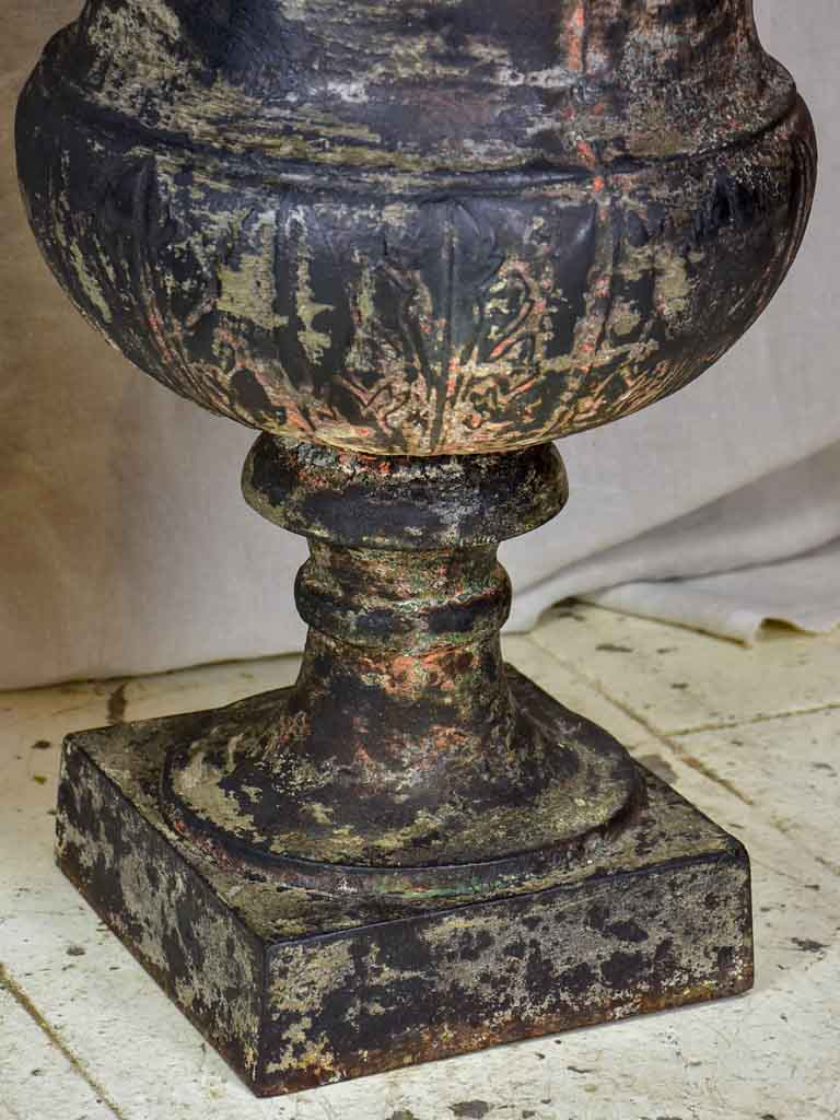 Two 19th Century cast iron Medici urns - black