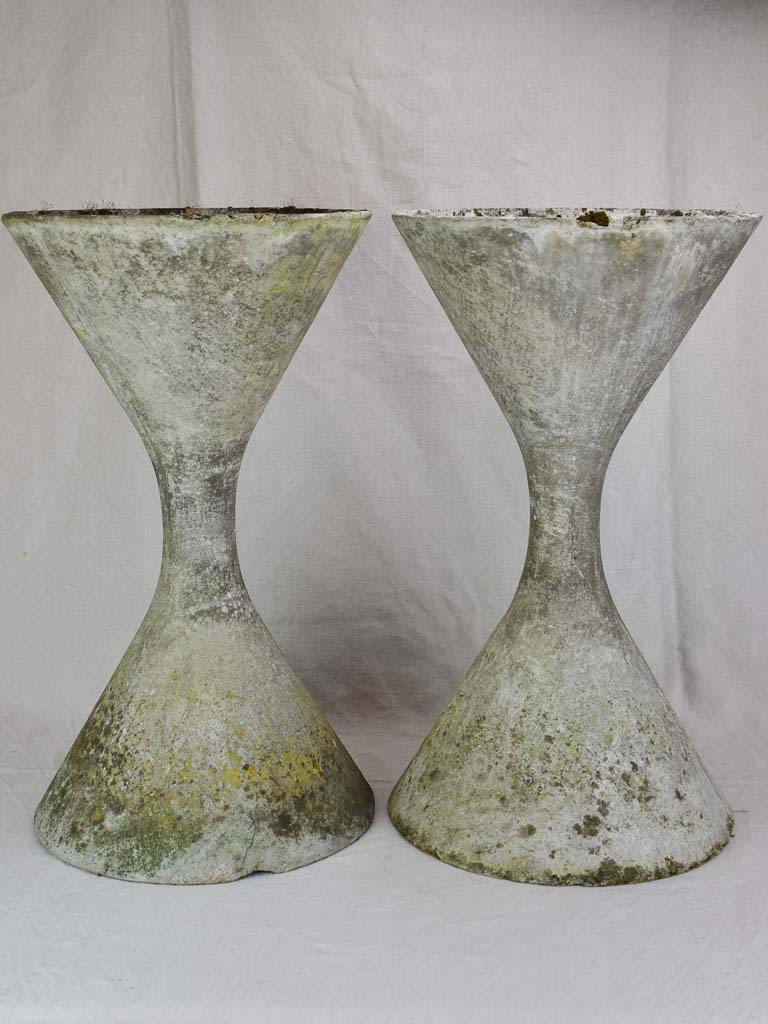 Pair of small mid century Willy Guhl diabolo planters 25¼""
