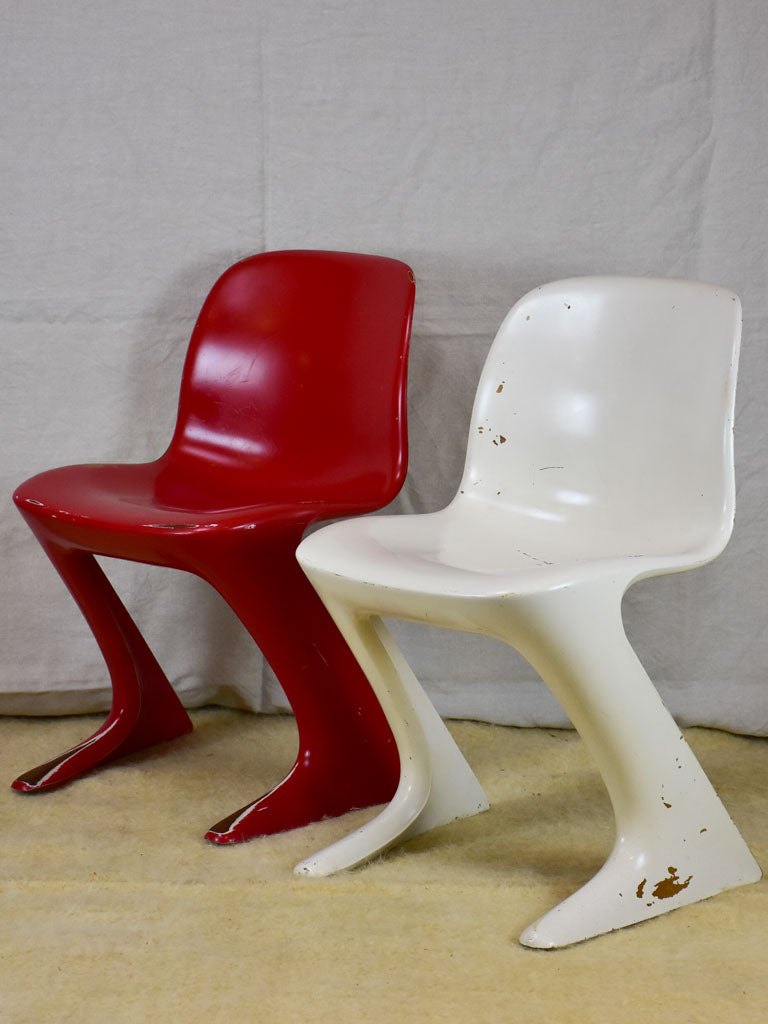 Set of six red and white vintage dining chairs - 1970's