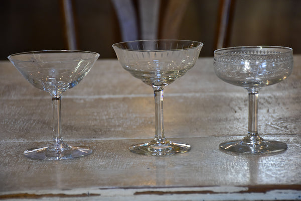 Mixed collection of vintage French champagne glasses - 10