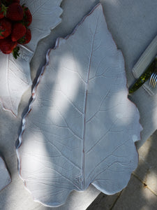 Very large burdock leaf dish