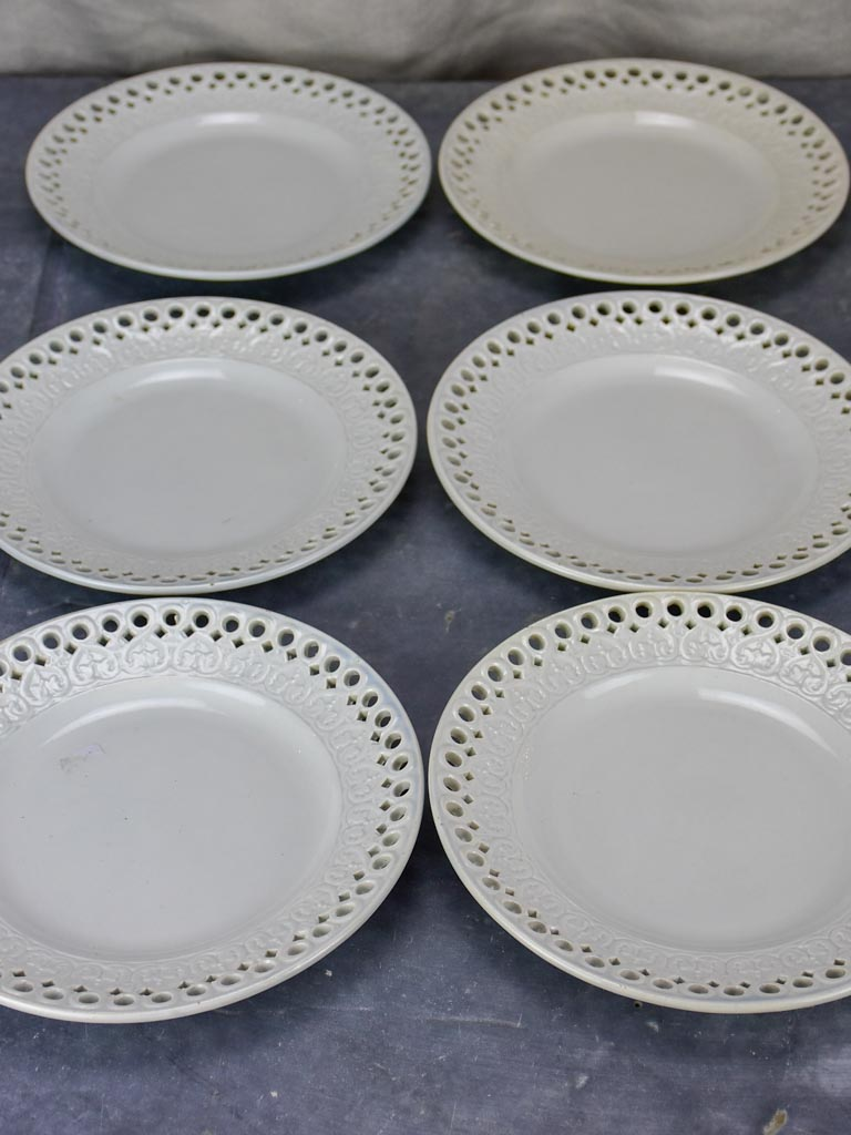 Set of 11 pretty antique French earthenware plates - Creil-Montereau faience