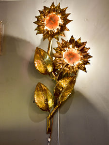 Vintage sunflower wall applique with coral - Brasseur style