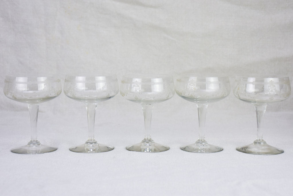 Set of 10 Napoleon III champagne cups with pretty engravings