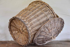 Vintage French wicker basket with lid