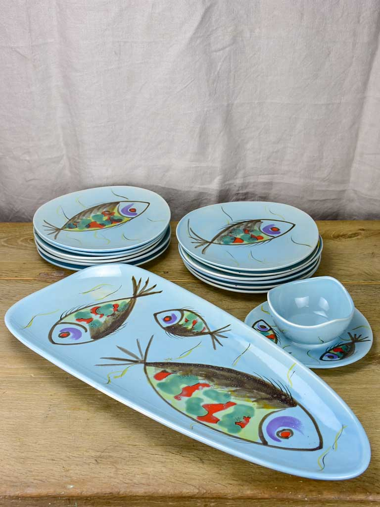 Hand painted seafood 12 plate service Pornic (Britanny) - 1960's