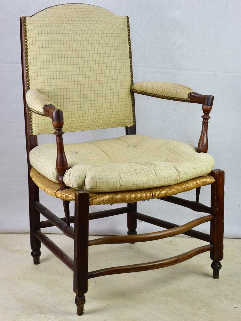 Early 19th Century French armchair from Provence with straw seat and mulberry frame